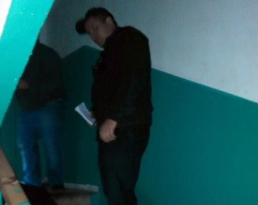 Милиция разыскивает убийцу, который выстрелил вгрудь юного киевлянина вподъезде многоэтажки